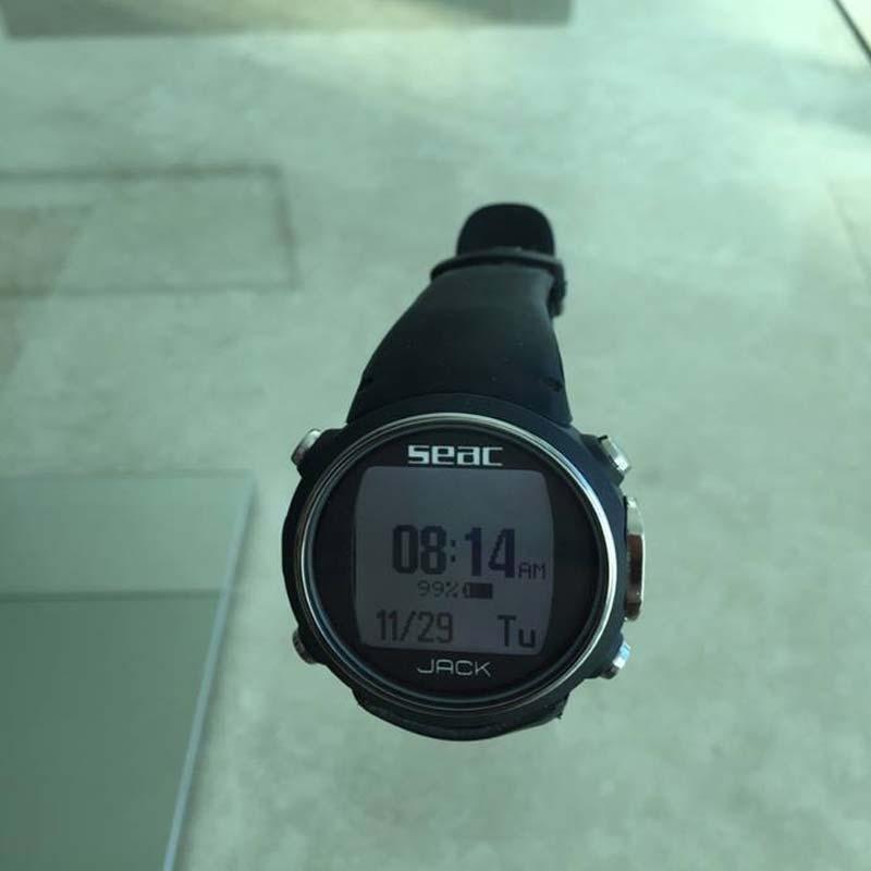 La montre ordinateur Jack pour la plongée bouteille, l'apnée et chasse sous-marine